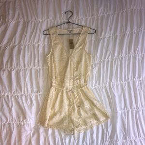 NWT American Eagle Outfitters Cream Lace Romper